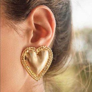 3/$30 💛 Heart Stud Earrings